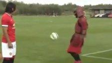 Manchester United Antrenmanında Samuray