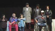Can Engelliler Sanat Tiyatrosu Final