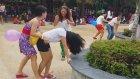 Asyalı Güzellerin Balon Patlatmaca Oyunu
