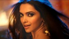 Happy New Year - Lovely (2014 Bollywood Prenses)