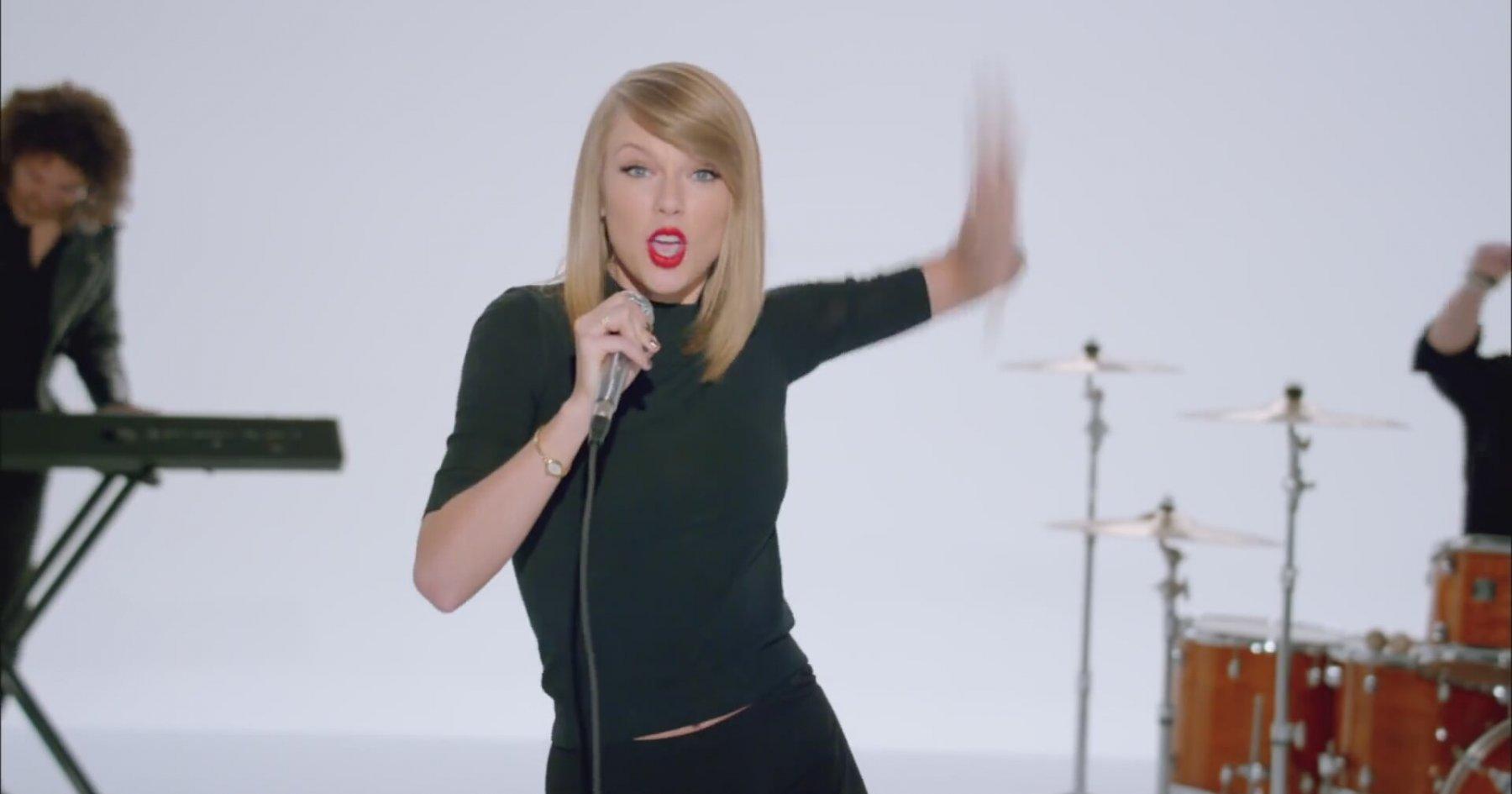 Taylor Swift - Shake It Off Dinle | İzlesene.com