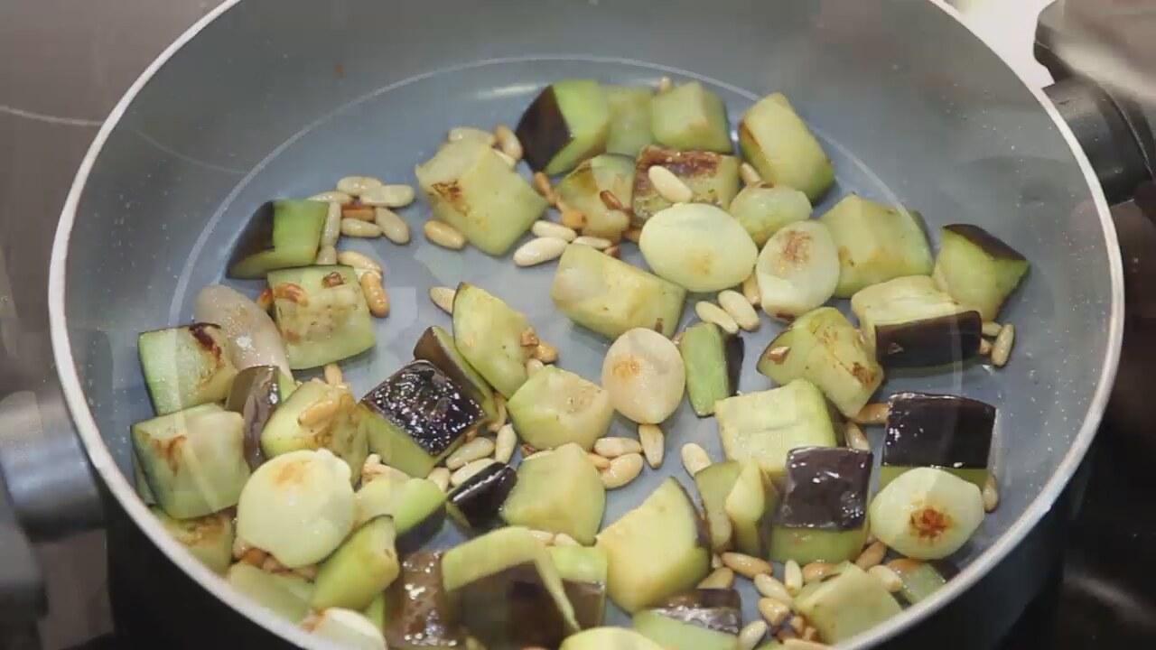 Patlıcanlı Kinoa Pilavı Tarifi, Nasıl Yapılır