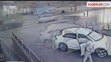 Arabasını Hırsıza Kaptırmak İstemeyince Canından Oluyordu