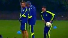Mourinho Antrenmanda Şaka Yaparsa...
