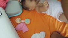 Gulen bebek alina