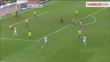Messi, Yine Penaltı Kaçırdı