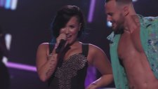 Demi Lovato - Neon Lights (Canlı Performans - Vevo Certified SuperFanFest)