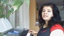 Kakafoni Gürültü Detone Kötü Sesler Solist Yurda Gül Ve İstek Saati