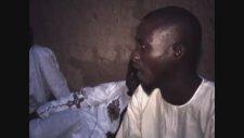 Nijer De İlk Defa Beyaz Müslüman Gören Afrikalı