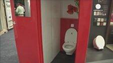 Tuvalet Fuarı'nda Su Kullanmayan Klozetler (Hindistan)