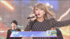 Taylor Swift - Welcome To New York (Canlı Performans)