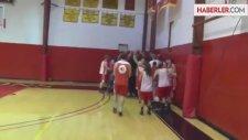 30 Saniyede 4 Basket Attı, Ödülü Kaptı