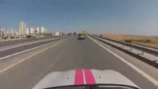 İstanbul Trafiğinde Mini Cooper İle Makas Atmak