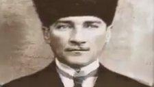 Atatürk Bize Gülümsüyor..