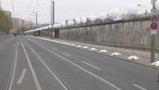 Berlin Duvarı'nın Yıkılışı
