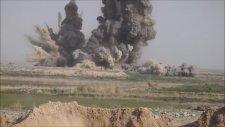Taliban Güçlerine Bombalarla Saldıran Amerikan Güçleri
