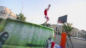 Akrobatik Basketbolun Bokunu Çıkarmak