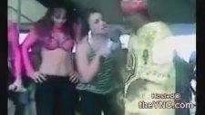 Brezilya Kucakta Burun Dansı