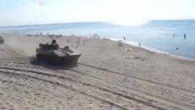 Rusya' da Sıradan Bir Plaj Günü