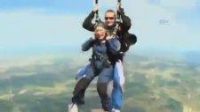 90 Yaşında Paraşütle Atlayan Dayı