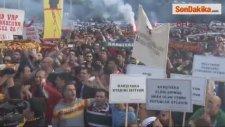 İzmirli Taraftarlar Ayaklandı: Saraya Değil, Stada Yatırım Yapın