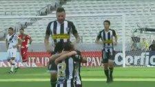 Brezilya Serie B'de Olağanüstü Mükemmel Frikik Golü
