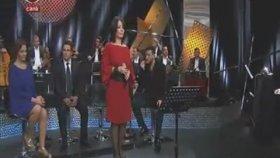 Ebru Özçengel - Özlediğim Şarkısın Kulaklarımda