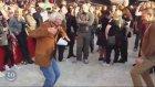 Çılgınlar Gibi Dans Eden Yaşlılar