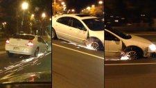 Tekerleği Olmadan Arabasını Süren Çılgın Kadın