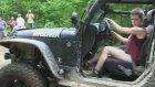 Hot Chıck Wheels A Sweet Jeep