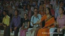 Aaja Nachle - Madhuri Dixit