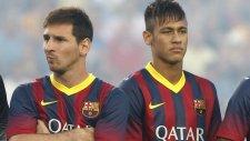 Messi Ve Neymar Sahnede Kapıştı!