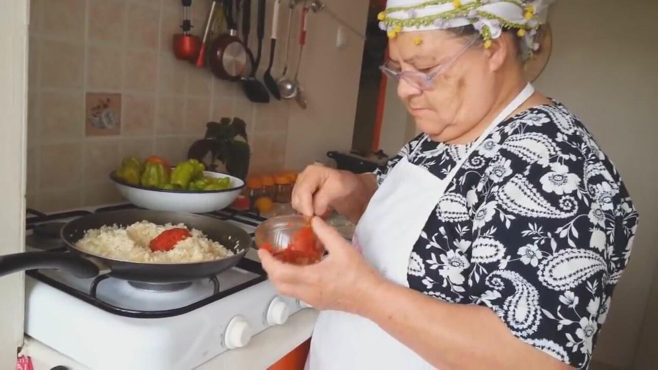 Zeytinyağlı Biber Dolması Tarifi Videosu