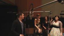 Michael Bublé - Jingle Bells (Feat. The Puppini Sisters) [studio Clip]