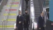 Başbakan Erdoğan'ın Ayakta Metro Yolculuğu Yapması