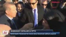 Recep Tayyip Erdoğan'ı Öpe Öpe Bitiren Teyze