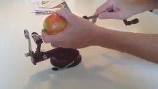 Aynı Anda Elmayı Soymak, Kemçüğünü Çıkarmak ve Dilimlemek