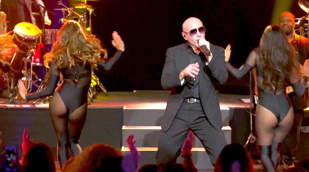 Pitbull Fireball Canlı Performans İzlesene Com