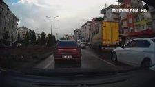 Türkiye'den Trafik Kazaları - Araç İçi Kamera (Kavga İçerir)