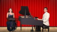 BAHÇADA YEŞİL ÇINAR Solist Genç Piyano Beyza Bahça Ağacı Hıyar Bahçe Mahlası Çınar Kral TRT TV Radyo