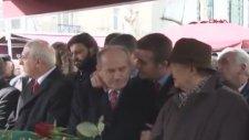 Mustafa Sarıgül'ün Kadir Topbaş'ı Öpmesi