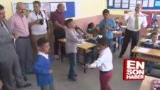 Yeni Eğitim Öğretim Dönemini Göbek Atarak Kutlamak