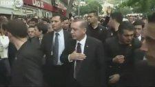 BBC Kamerasından Başbakan'ın Aracının Tekmelenmesi