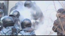 Ukraynada Göstericilerden Polise Molotof Yağmuru 2