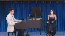 Bin Cefalar Etsen Almam Üstüme Piyano Dostum Dostum Sahne Özel Güzel Piyanist Yöre Kaynağı Kaynak Ak