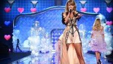 Blank Space - Taylor Swift (Victorias Secret Fashion Show 2014)