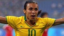 Dişi Ronaldinho Şov Yaptı