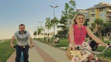 Çakallarla Dans 3 Sıfır Sıkıntı Film Müziği - Barış MANÇO / Gibi Gibi - Klip