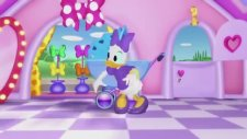 Minnie Mouse - Bowtique Adventures İn Piggy Sitting Minnie Mouse And Daisy Duck