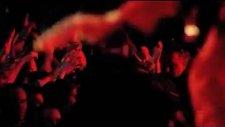 Muse - New Born (Wembley Stadyumu Canlı Performans)